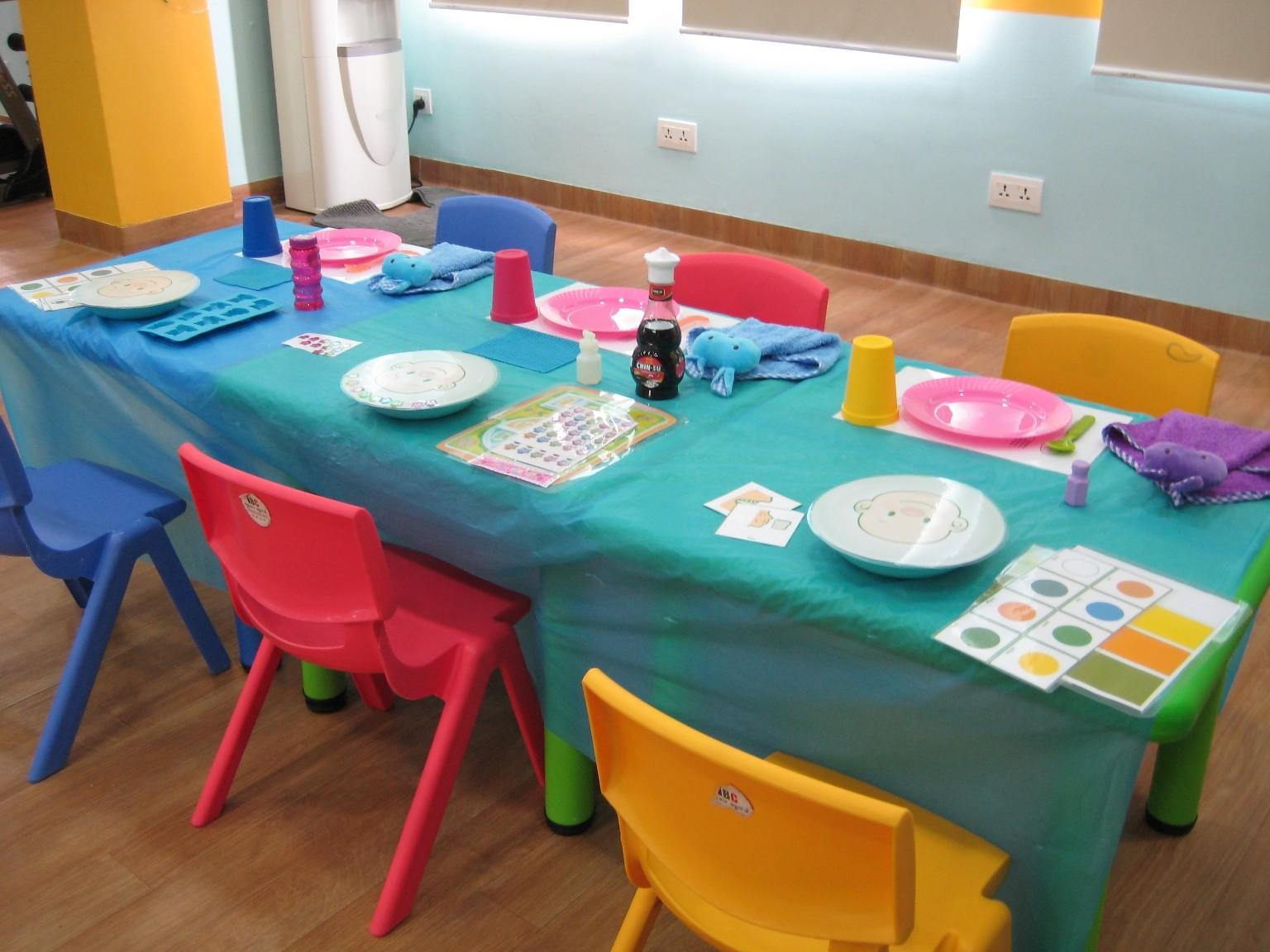 children's desk at the Happy Kids Clinic