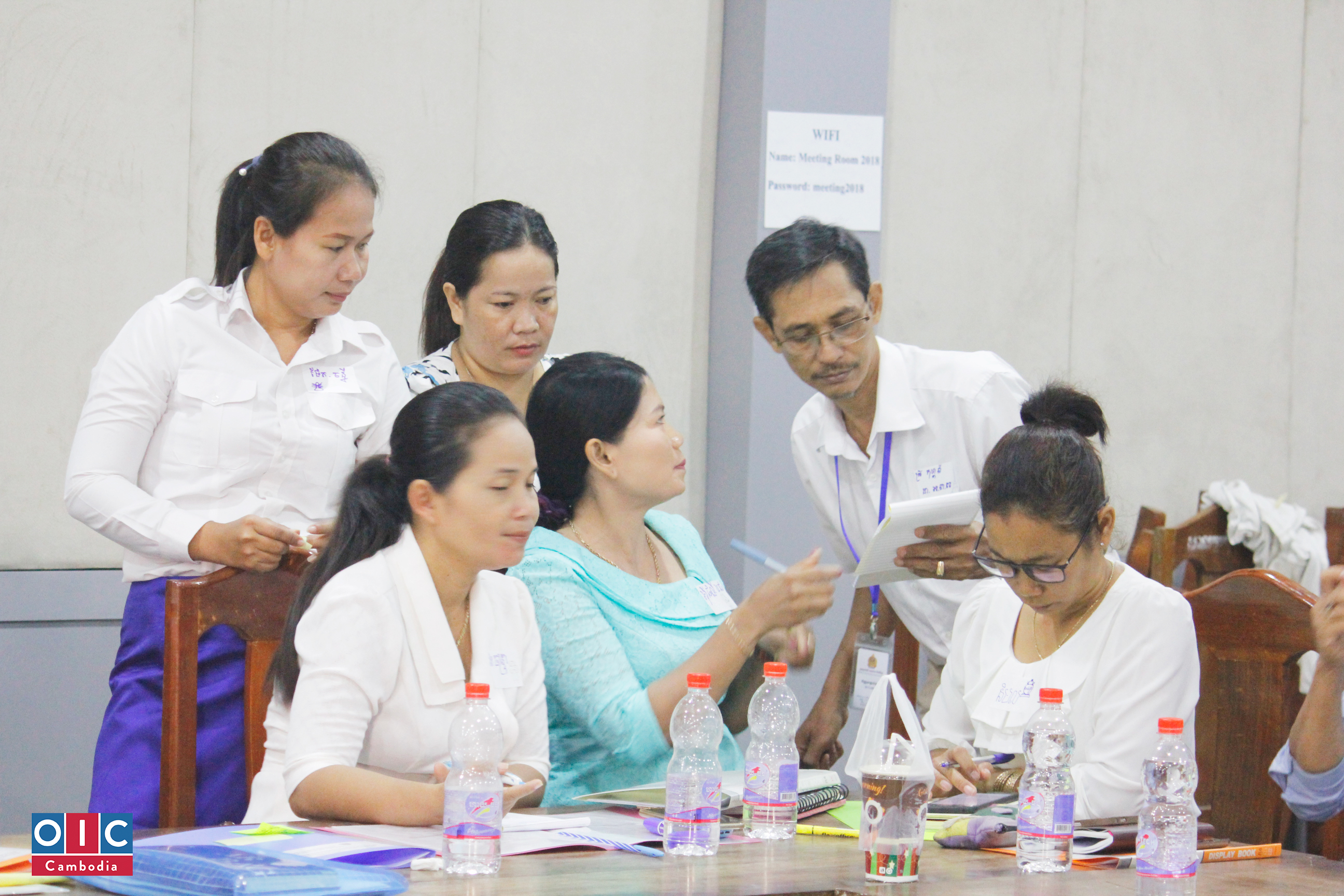 Communication Trainees join OIC Cambodia training